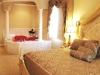 White House Inn Bangor - 329 - Romantic Room Theme Room