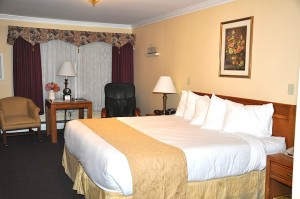 Bangor Maine Hotel Room - Relaxation Room at the White House Inn