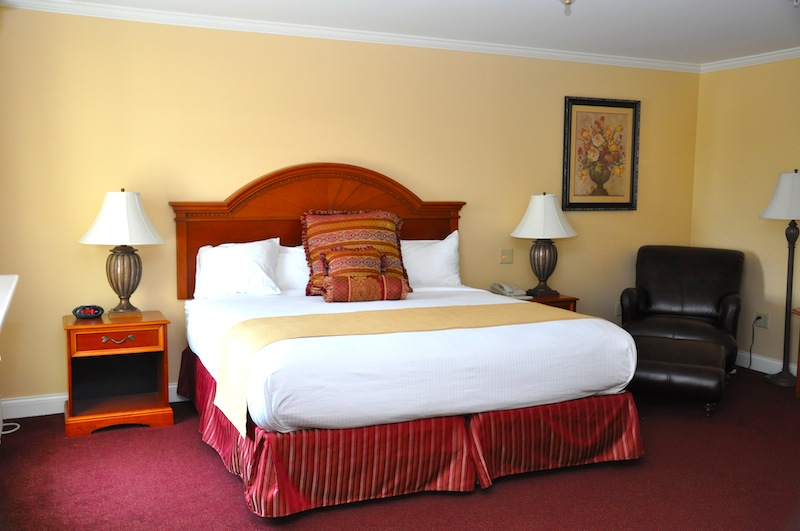Bangor Maine Hotel Room Executive At The White House Inn