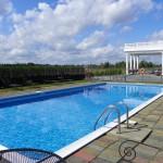 White House Inn - Seasonal Outdoor Pool