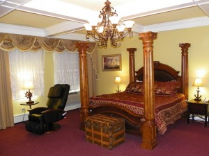 Bangor Maine Hotel Rooms - Captain Lafayette Themed Room